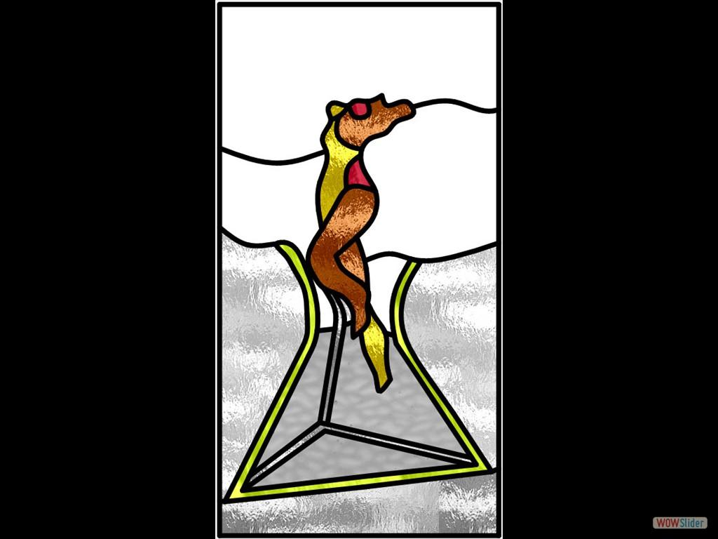 vrouw uit pyramide